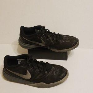 Nike Kobe Mentality shoes women's size 6